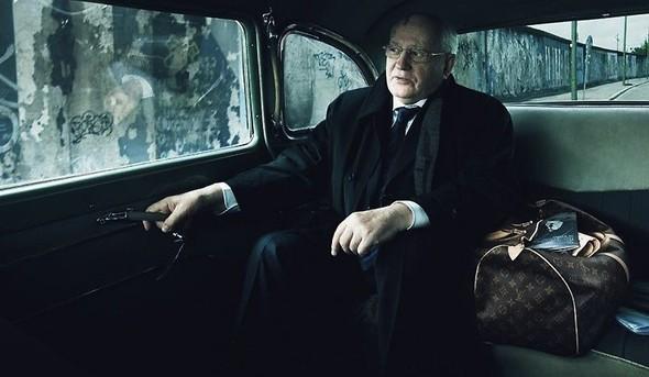 Михаил Горбачев в рекламной кампании Louis Vuitton, которую снимала Энни Лейбовиц. Изображение № 2.