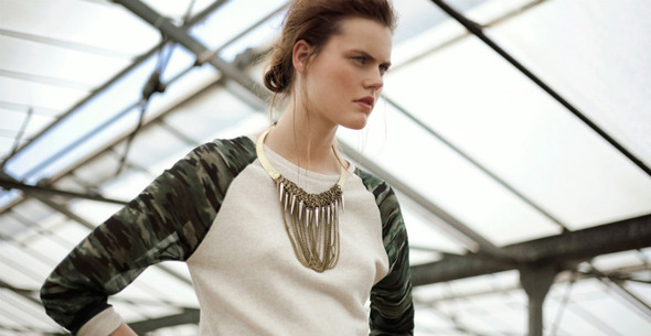 Лукбуки: H&M, Zara, Urban Outfitters и другие. Изображение №12.