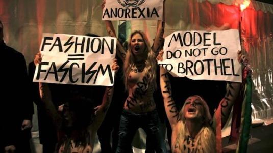 Главные протесты в моде: От человеческих волос до голой демонстрации. Изображение № 6.