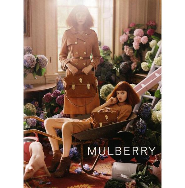 Изображение 6. Превью кампаний: Burberry, Chanel, Gucci и другие.. Изображение № 9.