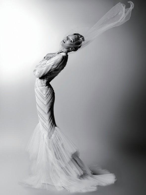 Съёмка: Карл Лагерфельд для Harper's Bazaar. Изображение № 7.