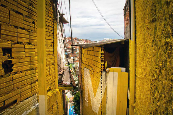'Свет в переулках' граффити в фавелах. Изображение № 2.