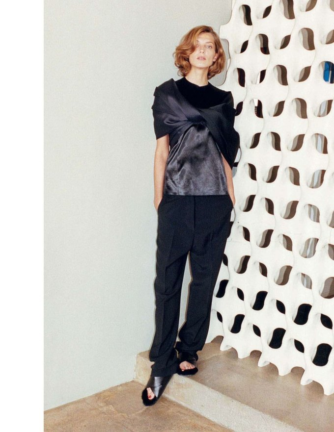 Alexander McQueen, Celine и LUBLU Kira Plastinina показали новые кампании. Изображение № 19.
