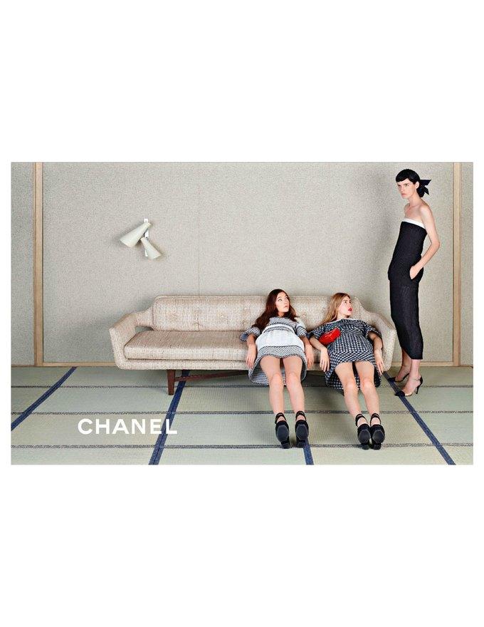 Chanel сняли несовершеннолетних моделей для новой кампании. Изображение № 1.