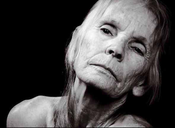 Обнаженная 80-летняя модель для рекламы Бароло. Изображение № 3.