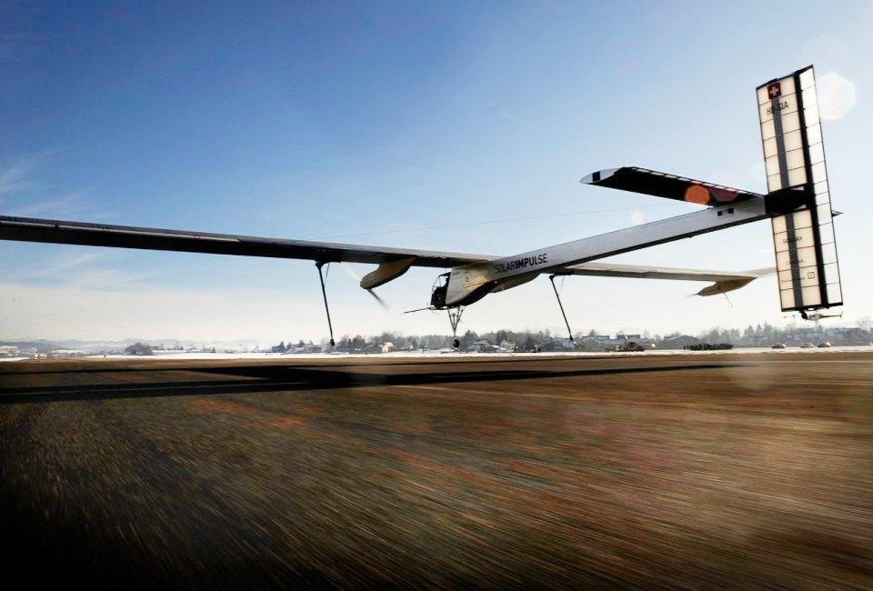 Первый самолёт  на солнечной энергии,  который долетит  на край света. Изображение № 24.