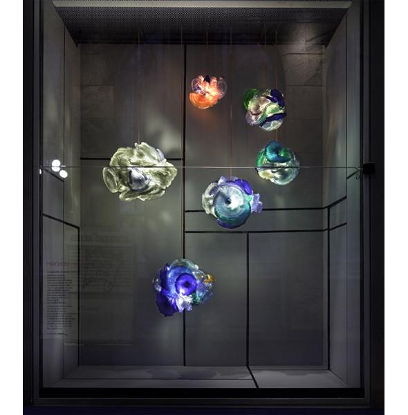 Три витрины магазинов, которые оформили современные художники и дизайнеры. Изображение № 12.