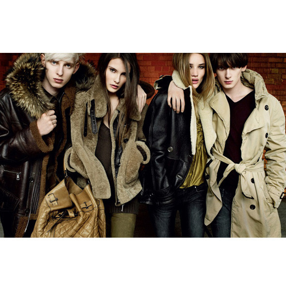 Рекламные кампании: Burberry, Louis Vuitton, Tom Ford. Изображение № 2.