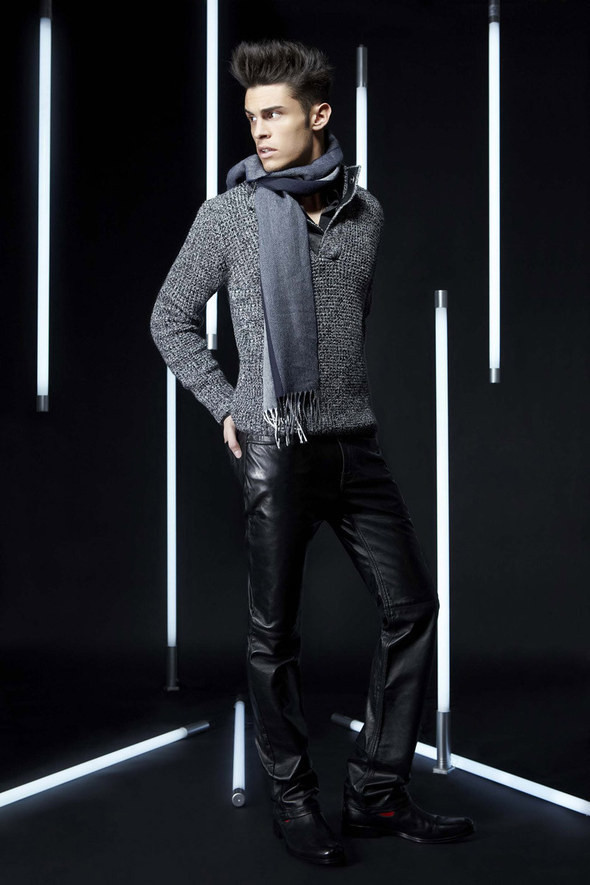 Изображение 28. Лукбуки: Bergdorf Goodman, Lagerfeld и Armani Exchange.. Изображение № 27.