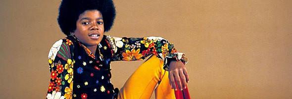 Выступал в группе The Jackson Brothers (позже — Jackson 5) с 5-летнего возраста, сольной карьерой заслужил статус короля поп-музыки.. Изображение № 16.