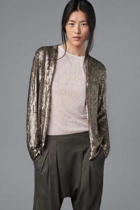 Лукбуки: H&M, Zara, Urban Outfitters и другие. Изображение №150.