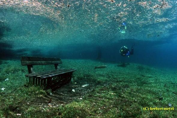 Фотограф Herbert Meyrl. Скамейки под водой. Изображение № 1.