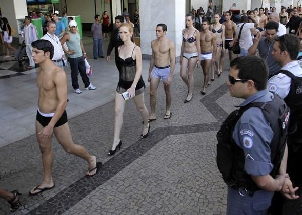 День нижнего белья в Бразилии. Изображение № 17.