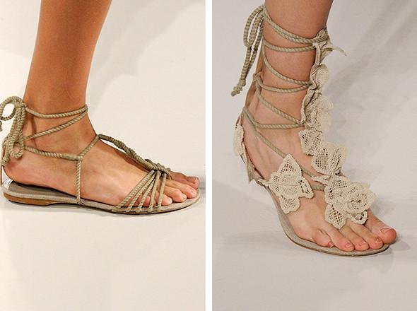 Walking in my shoes: 10 тенденций обуви весны-лета 2011. Изображение № 99.
