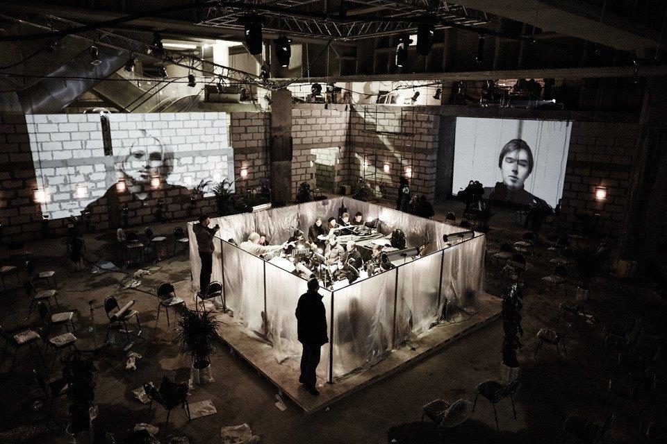 «Три четыре»: Фоторепортаж с репетиции оперы в подвале Москва-Сити. Изображение № 1.