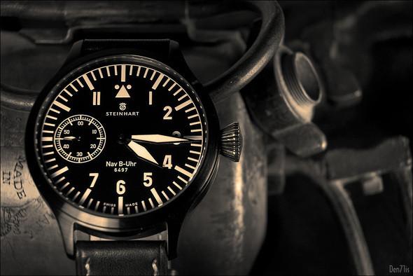 Steinhart Nav B-Uhr black. 370 EUR (19% VAT incl.). Изображение № 45.