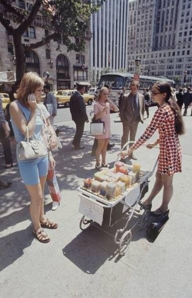 Хиппи-рынок в 70-е. Изображение № 1.