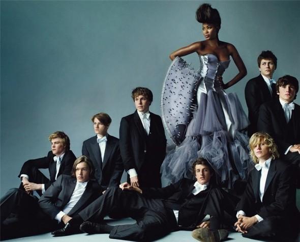 Английский патриотизм воктябрьском Vogue British. Изображение № 8.