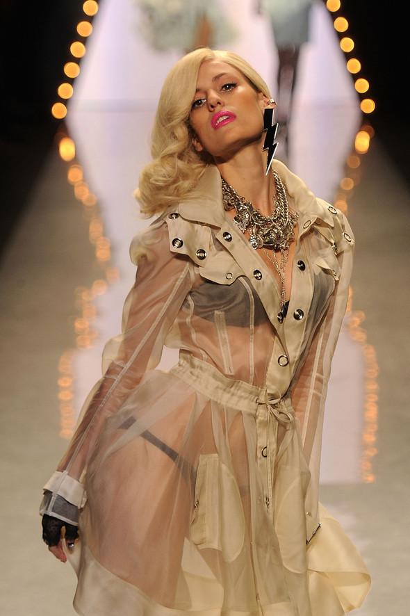 New York Fashion Week: Betsey Johnson Spring 2012. Изображение № 10.