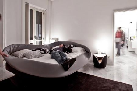 Кровать с мягкими краями. Изображение № 3.