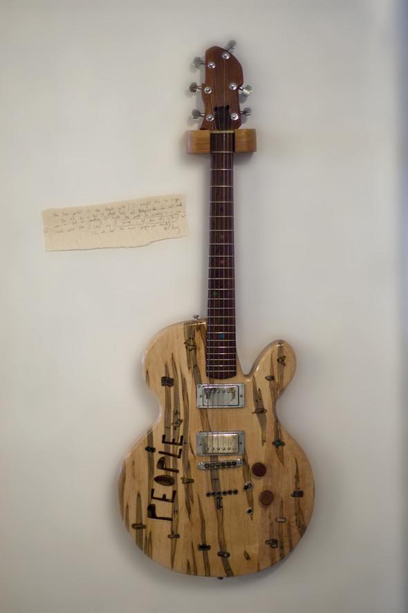 Странные гитары Бена Симона. Изображение № 8.