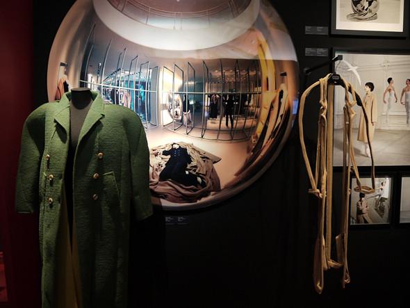 Выставка: «Пальто! Max Mara, 60 лет итальянской моды». Изображение № 8.