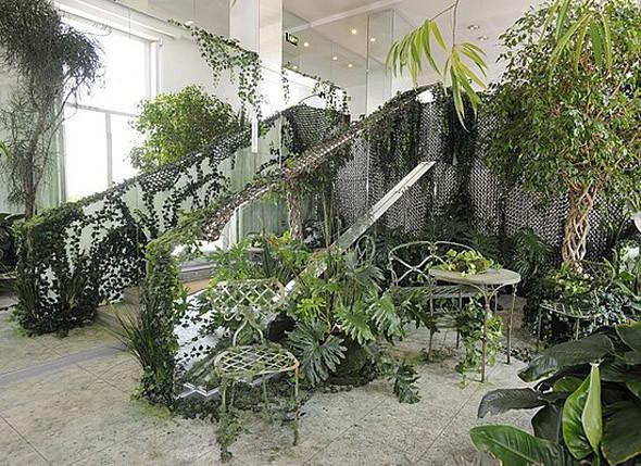 Жан-Поль Готье создает коллекцию мебели. Изображение № 2.
