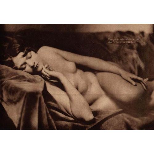 Части тела: Обнаженные женщины на винтажных фотографиях. Изображение №23.