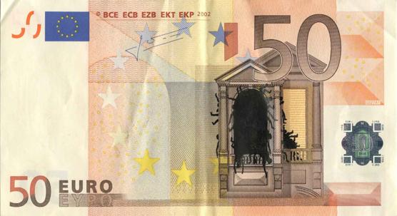 Художник в знак протеста изрисовал банкноты на 3555 евро. Изображение № 18.