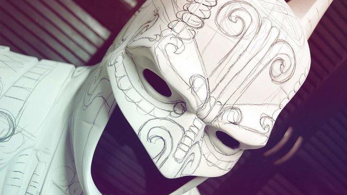 Художник создал бэт-костюм в стиле древних майя. Изображение № 2.