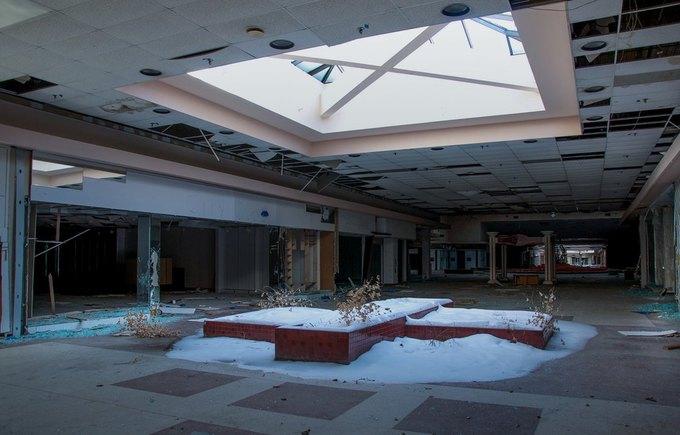 Фото: заброшенный торговый центр в США. Изображение № 7.