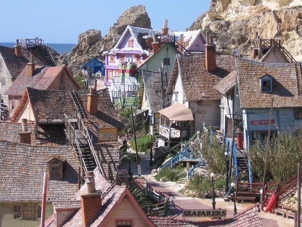 Сказочная деревня Попай моряка на Мальте. Изображение № 3.