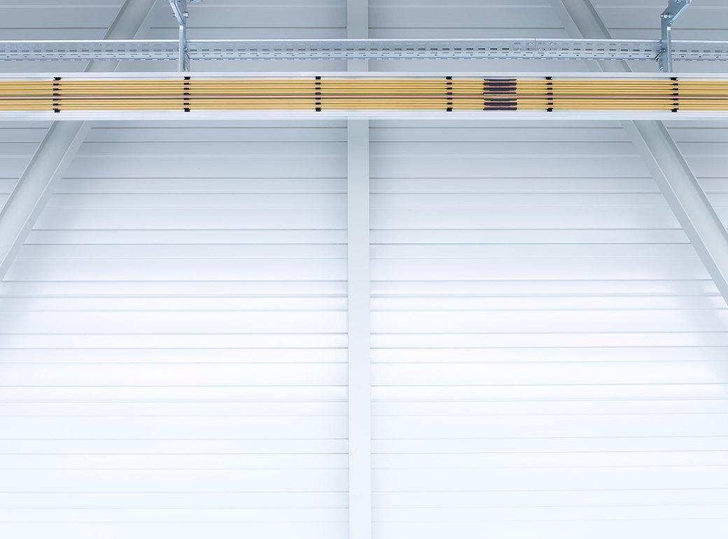 Фабрика BMW авторства Захи Хадид вызывает мурашки у роботов. Изображение № 5.