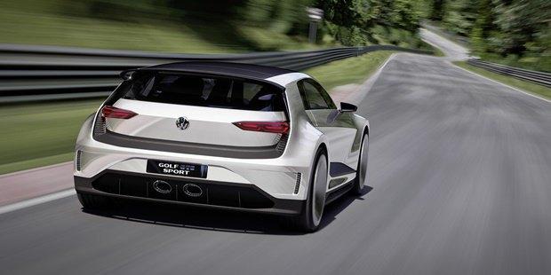 Volkswagen показал концепт автомобиля Golf GTE Sport . Изображение № 3.