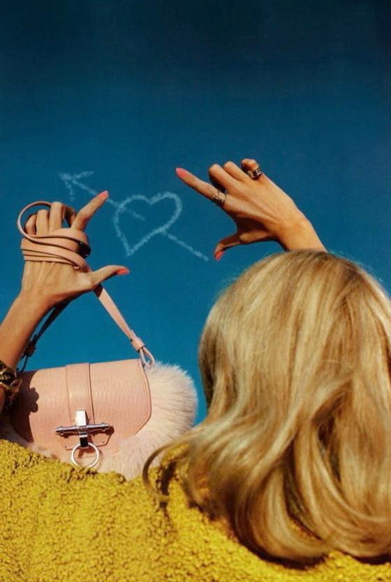 Съёмка: Аня Рубик для Vogue. Изображение № 4.