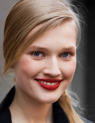 Red lipstick. Изображение № 2.
