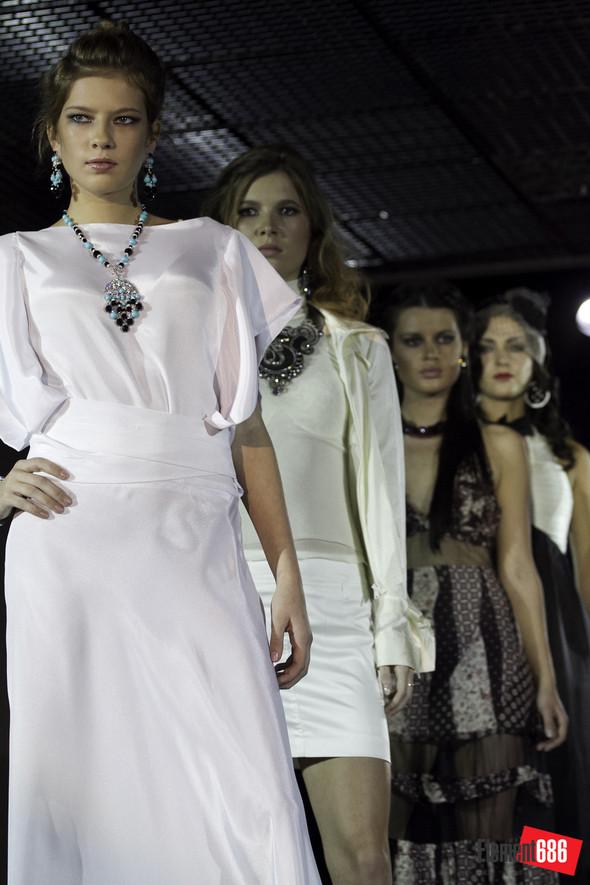 Неделя моды от «Эстет»: осень-2011 (05.10.2011). Изображение № 80.