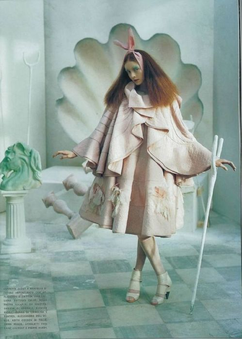 A Magic World (Vogue Italia January 2008 ). Изображение № 8.