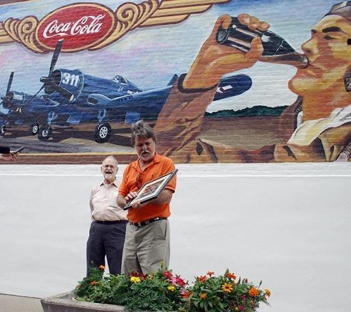 Винтажная настенная роспись дляCoca-Cola. Изображение № 4.
