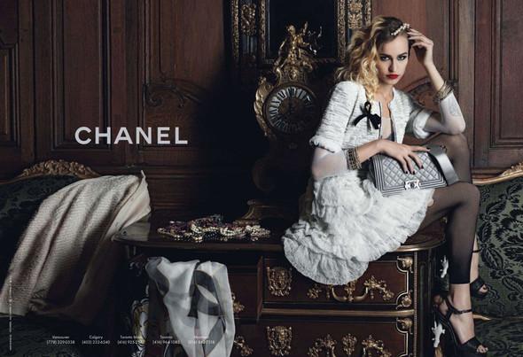 Рекламные кампании: Bloch, Chanel и French Connection. Изображение № 3.