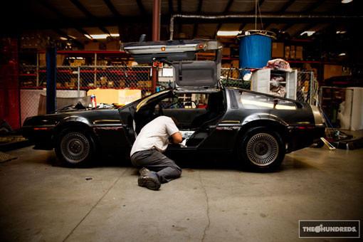 DeLorean. Автомобиль-легенда. Части 3 & 4. Изображение № 6.