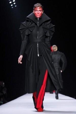 Изображение 51. Показы на Paris Fashion Week FW 2011: день 5.. Изображение № 15.