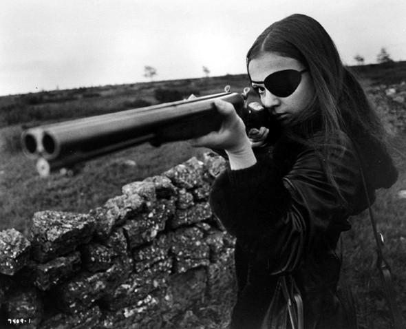 Изображение 1. Девушки с пушками.. Изображение № 6.