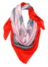 Завязать: 11 марок платков с принтами. Изображение № 91.