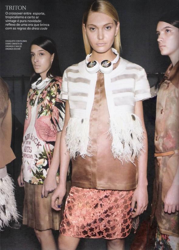 Съёмка: фотографии с бэкстейджей в бразильском Vogue. Изображение № 3.