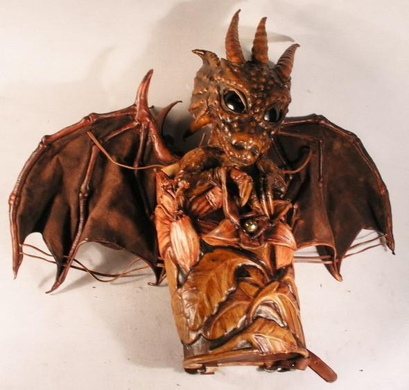 Увас дракон наспине. Изображение № 83.