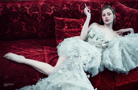 Стоп-кадр: Новые съемки Love, Russh, Vogue и V. Изображение № 22.