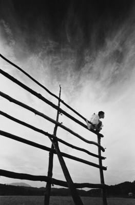 Еще восемь фотографов сюрреалистов. Изображение № 130.