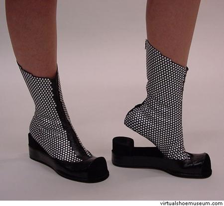 Виртуальный музей обуви. Изображение № 2.