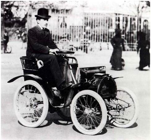Луи Рено на своем первом серийном автомобиле – Voiturette Type A. Изображение № 1.
